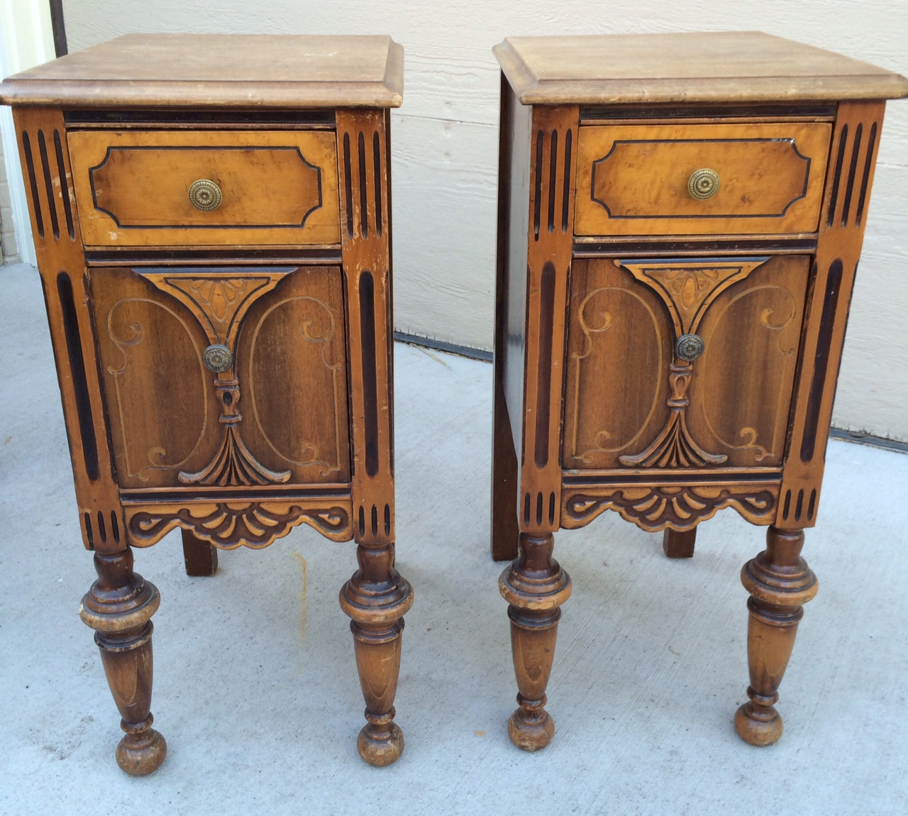 Give your furniture an antiqued or distressed look ladulcelavie - These Great Antique Side Tables Were Done For A Customer In Annie Sloan Florence Distressed To